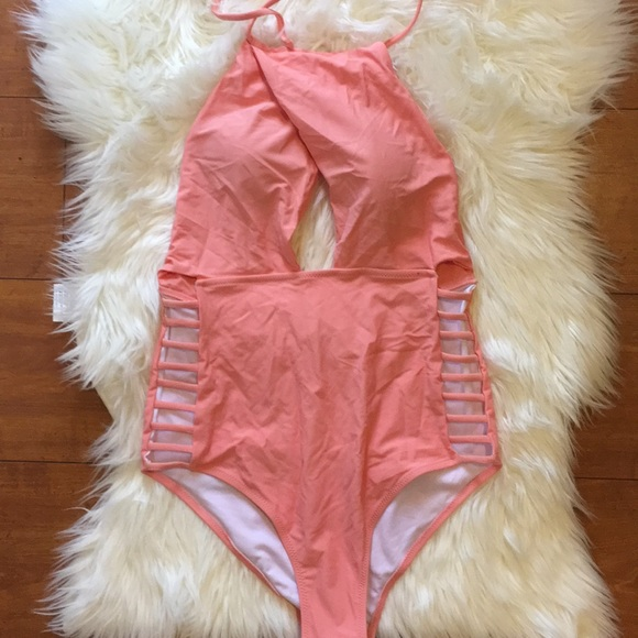 Cupshe Other - Peach Cupshe Swimsuit Size M NWT